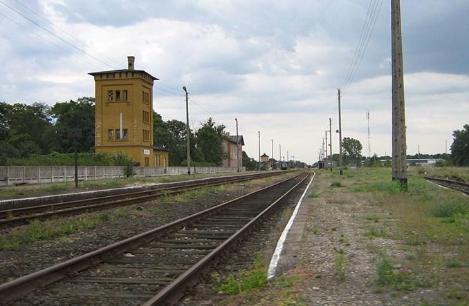 PKP SA wstrzymują się z rozbiórką linii Chojnów – Rokitki. Samorząd chce ją przejąć