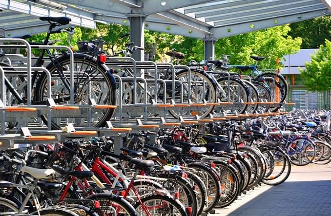 Rower rywalizuje z transportem publicznym czy go uzupełnia?