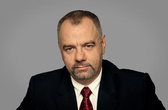 Warszawa. Jacek Sasin chce darmowej komunikacji. PO straszy