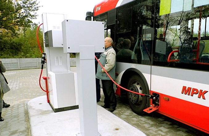 Będzie więcej autobusów na gaz? Sejm wyzerował akcyzę