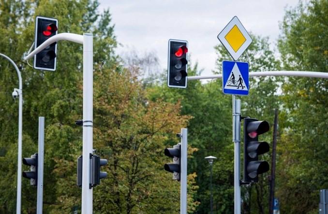 Olsztyn: Kolejne skrzyżowania bez strzałek kierunkowych