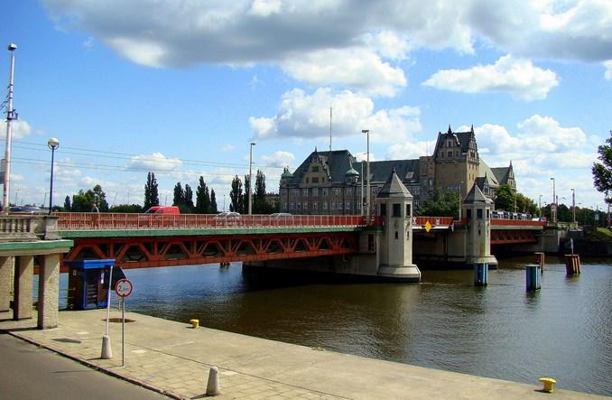 Szczecin też bez mostu. Za to z substytutem SKM-ki