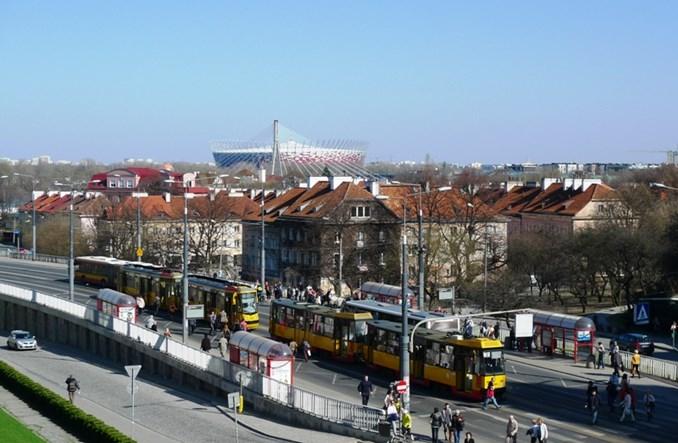 Warszawa na opóźnionym metrze nie zaoszczędzi