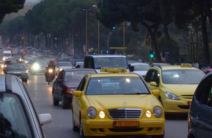 Tirana strajkuje. Autobusy nie jeżdżą