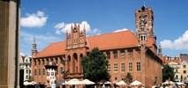 Toruń chodzi piechotą, Bydgoszcz jeździ komunikacją miejską