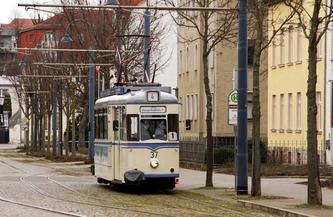Naumburg: Tramwaj – transport czy turystyka?