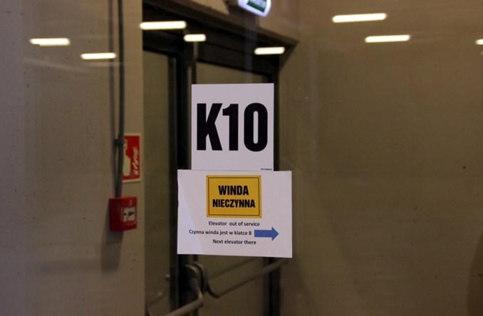 Łódź Fabryczna: Nieczynne windy na nowoczesnym dworcu