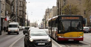 Równoważenie mobilności: Rozsądne decyzje czy atak na kierowców?