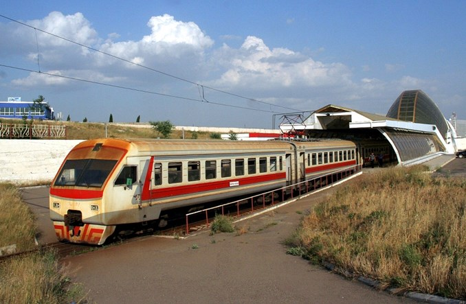 Tbilisi: Kolej na lotnisko nie zdaje egzaminu