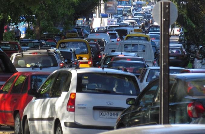 Londyn. Nawet 1000 funtów mandatu za podwożenie dzieci autem do szkoły
