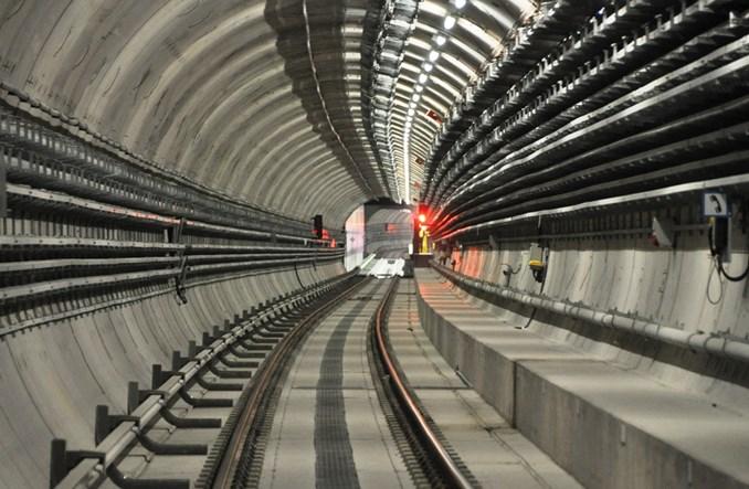 Warszawa: Przez rząd nie będzie pieniędzy na III linię metra?