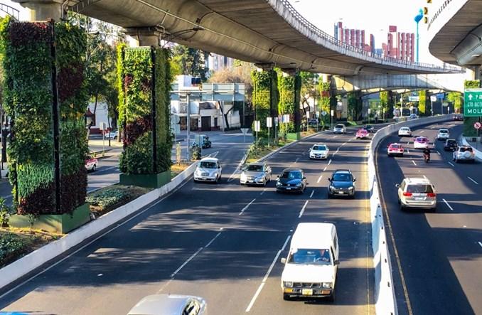 Mexico City. Autostrada zamieniona w ogród