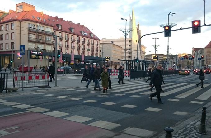 Wrocław. Nowe Przejście Świdnickie gotowe. Piesi się cieszą, kierowcy nie