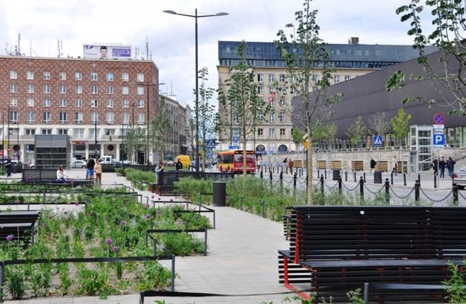 Zielony, muzyczny i skoczny plac Powstańców Warszawy