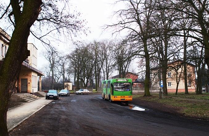 Żychlin: z miasta na dworzec miejskim autobusem